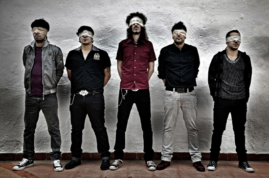 El grupo de rock, Estirpe.